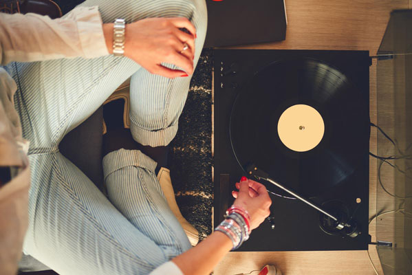 vinyl-player-on-floor-1