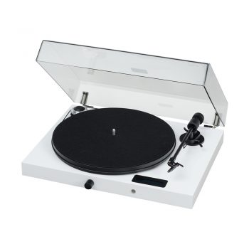 Photo of white Pro-Ject Juke Box E Turntable with Ortofon OM5e Cartridge with dustcover